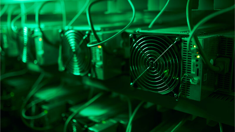BTC's Price Rise Gives 5-Year-Old Mining Rigs New Life — Bitcoin Hashrate Jumps Close to 20% Since Last Week
